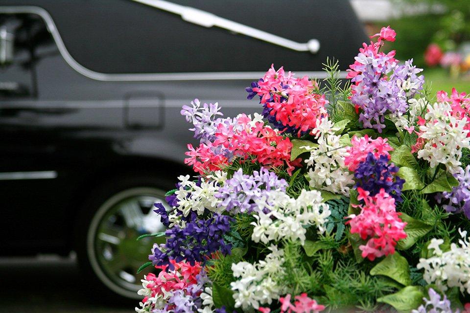 Bloemen bij de uitvaart